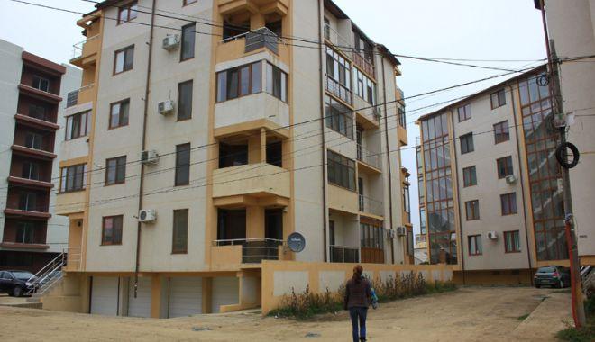 Foto: Un nou complex de blocuri, la Constanţa.  Cine investeşte în cartierul Compozitorilor