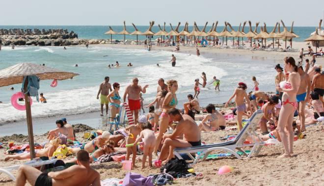 Foto: Scandal �n sudul litoralului. Vacan�e la pre�uri mai mari?