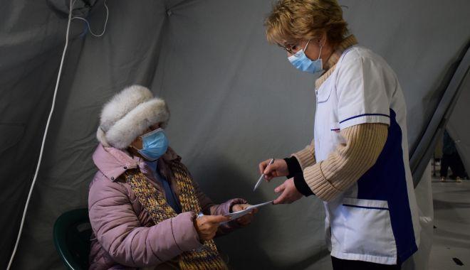 Panică printre constănțeni! Sunt probleme cu dozele de vaccinare? - fotofondvarstniciiconstanteni3su-1611167780.jpg