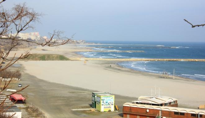 Foto: Primăria Constanţa vrea parcări lângă plaje, privelişte asupra mării şi monumente istorice. Dar unde?
