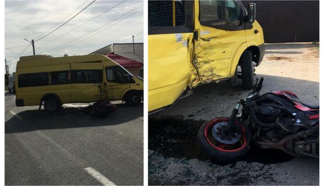Foto: ACCIDENT RUTIER ÎN JUDEȚUL CONSTANȚA! Sunt implicate un microbuz și o motocicletă