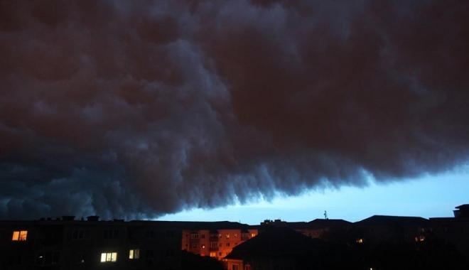 Foto: ROMÂNIA, LOVITĂ DE UN MEZOCICLON! Iată ce spune directorul ANM despre fenomenul TERIBIL care a devastat Timişoara