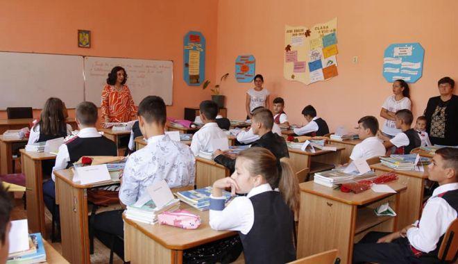 Foto: Școlile din mediul rural sunt mai dotate decât cele din orașe