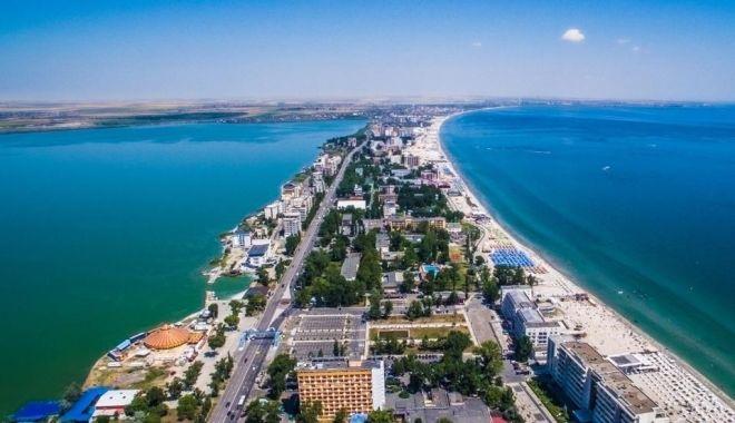 Foto: Se dă startul distracției la malul mării! Restricții de circulație în nordul stațiunii Mamaia