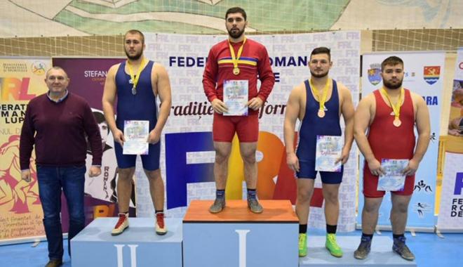 Foto: Constănţenii Vlad şi Ionuţ Caraş, cei mai buni luptători din ţară
