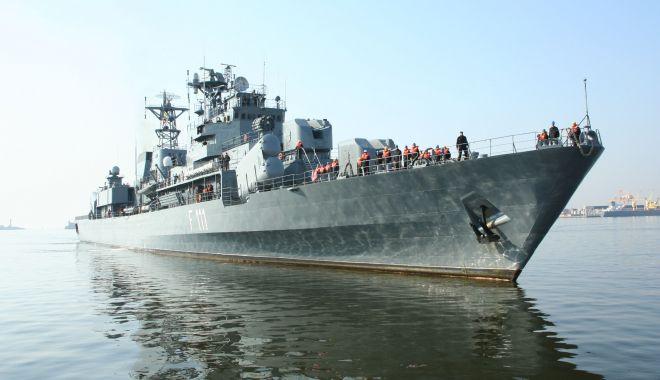 """Foto: Fregata/Distrugătorul """"Mărăşeşti"""" 1998. Un scandal de proporţii, dar nimeni n-a păţit nimic…"""