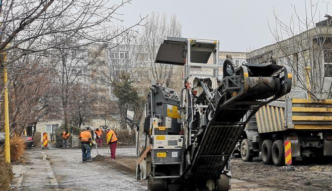 """Foto: Trafic restricţionat, la Constanţa! """"Nu staţionaţi în locurile în care se efectuează lucrări"""""""