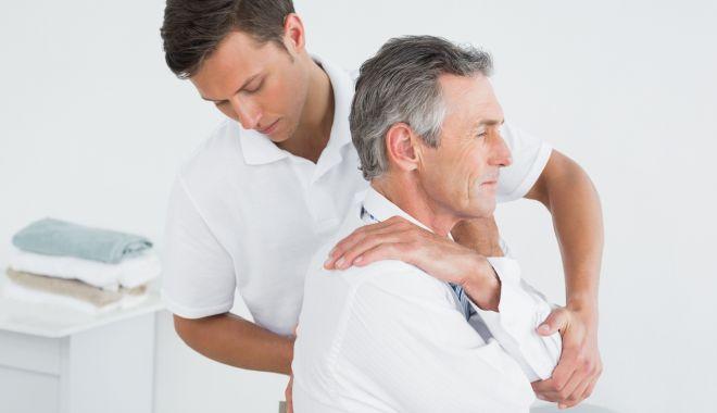 Foto: Frigul amplifică durerile de spate şi de oase