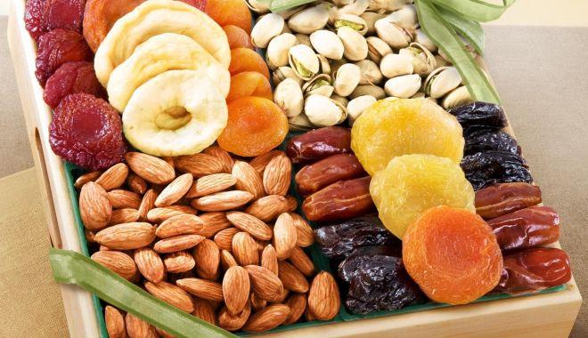 Foto: Fructele uscate, sănătate din plin