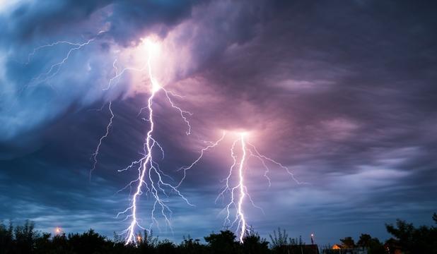 Foto: A murit lovit de fulger!