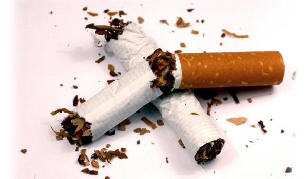 """Foto: Programul """"Stop Fumat"""" din Constanţa, fără fonduri"""