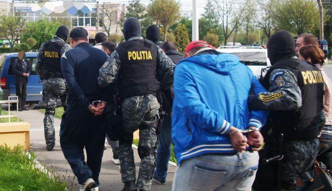 Spărgători de locuințe, prinși în flagrant de polițiștii constănțeni - furt-1517333720.jpg