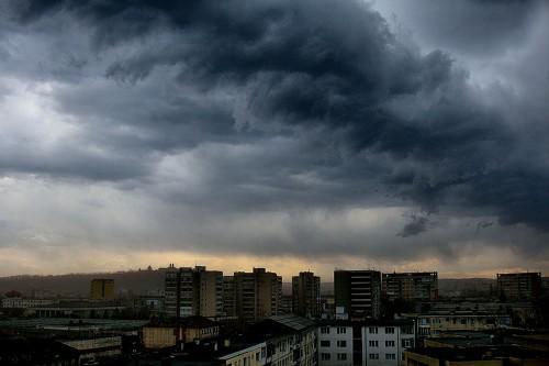 Foto: FURTUNĂ LA CONSTANŢA. Meteorologii au emis avertizare de vreme rea