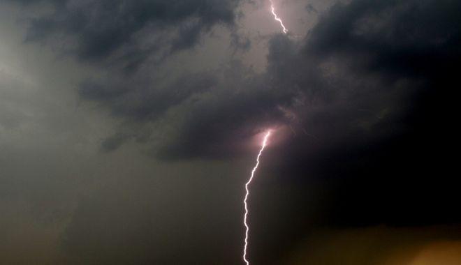 Foto: Reguli noi după tornada din Călărași. RO-ALERT va anunța și fenomenele meteo