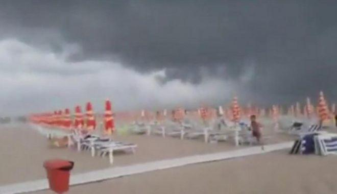 Foto: Furtună puternică în Italia! Panică în rândul turiștilor