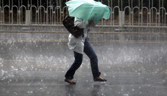Foto: VIN PLOILE la Constanţa! Avertizare imediată de la meteorolog