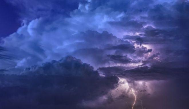 Foto: COD PORTOCALIU de furtună și grindină în mai multe județe