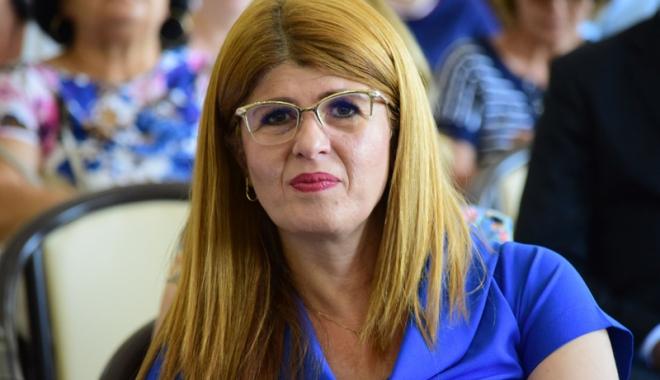 """Foto: A dat concurs de pomană? Gabriela Bucovală, """"radiată"""" de la şefia ISJ Constanţa"""