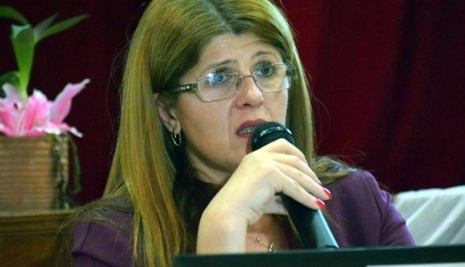 Foto: Ministerul Educaţiei ascunde motivele  pentru care a revocat-o pe Gabriela Bucovală de la șefia ISJ