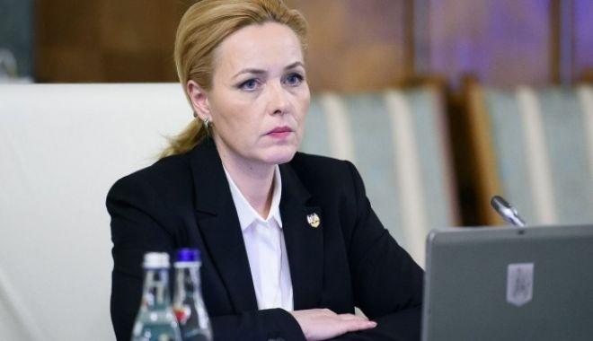 Foto: Reacția lui Carmen Dan la acuzațiile Gabrielei Firea: Voi da răspunsuri mâine în Parlament