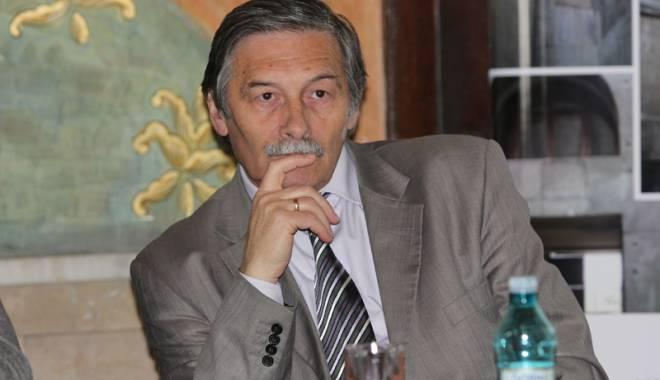 Foto: Cum a redevenit Gabriel Custurea director al Muzeului de Istorie