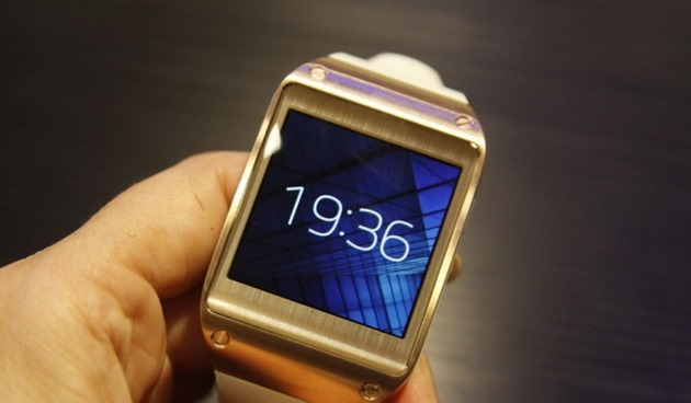 Foto: Ceas ori telefon? Ambele, într-un singur dispozitiv