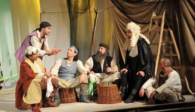 """Foto: """"Gâlcevile din Chioggia"""" și """"Paliativ"""", la Teatrul de Stat Constanța"""