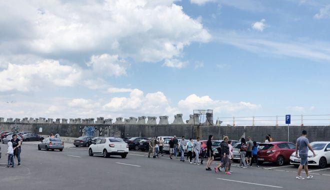 GALERIE FOTO / Centrul vechi și Portul Tomis, luate cu asalt de constănțeni - galerie2-1591007895.jpg