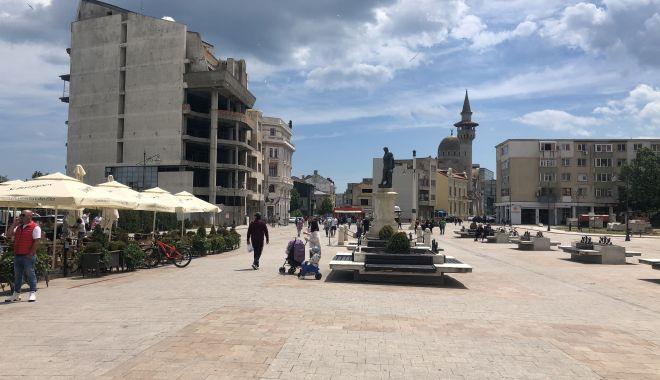 GALERIE FOTO / Centrul vechi și Portul Tomis, luate cu asalt de constănțeni - galerie5-1591007951.jpg