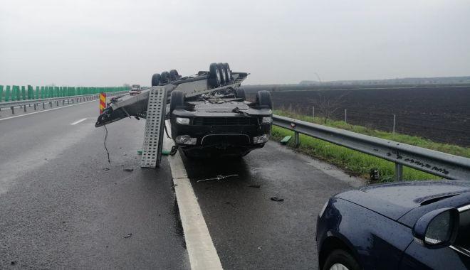 GALERIE FOTO. Accident pe Autostrada Soarelui. O remorcă încărcată cu două autoturisme s-a răsturnat - galeriefotoaccident2-1618911526.jpg