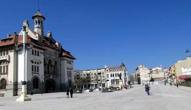 Foto: Avarie RAJA. Zona Pieţei Ovidiu din Constanţa, lipsită de apă rece