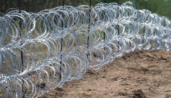 Foto: Criza imigranţilor / Ministrul ungar de Externe, despre situația de la granița cu România
