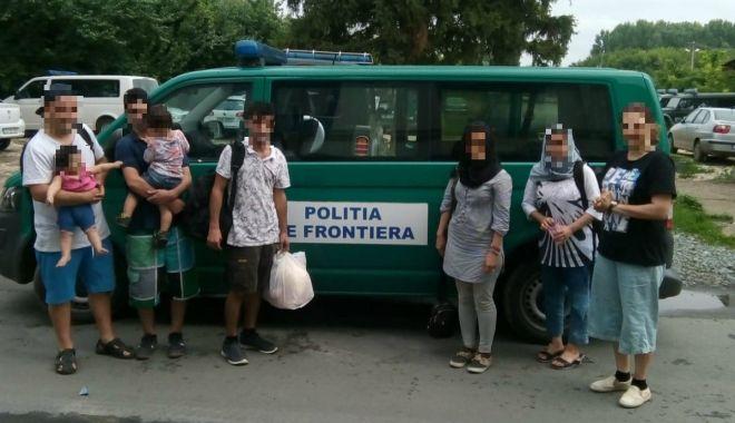 Foto: Garda de Coastă. Șapte irakieni și un iranian, opriţi la frontiera cu Bulgaria