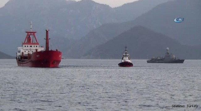 Foto: Garda de Coastă grecească a deschis focul asupra unui cargou turcesc