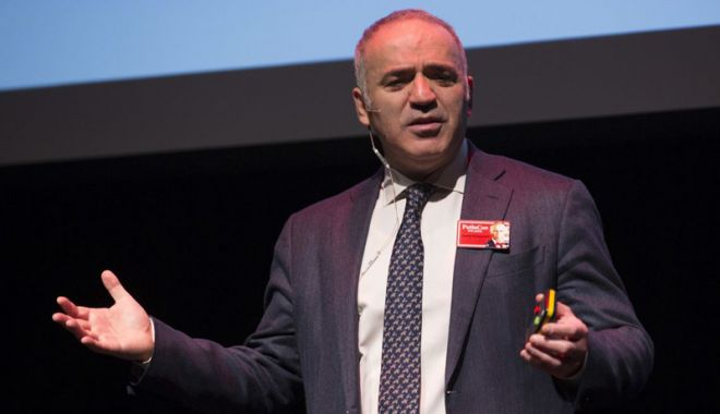 Foto: Garry Kasparov le cere politicienilor străini să nu meargă la Cupa Mondială de fotbal din Rusia