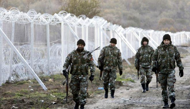 Foto: Gărzi de frontieră europene,  desfăşurate pe teritoriul Macedoniei