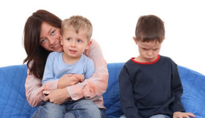 Foto: Cum… se tratează gelozia dintre fraţi