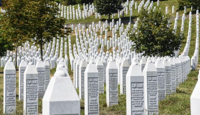 Foto: Genocid în Bosnia! Verdictul în cazul Karadzic, mâine, la Haga