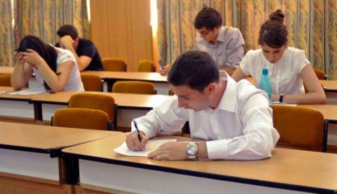 Foto: Elevii constănţeni, angrenaţi într-un concurs de geografie