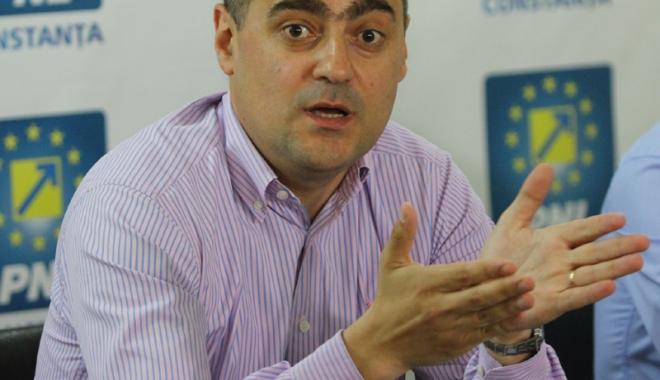 """Foto: """"Dispreţul pentru bolnavii de cancer devine emblema oraşului Constanţa"""""""