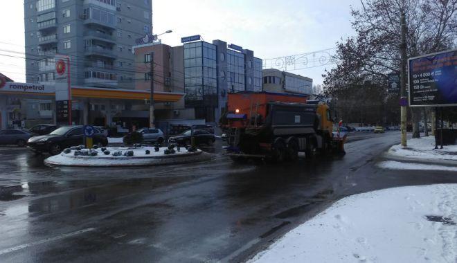 Ger la noapte, la Constanța. Autoritățile împrăștie material antiderapant pe străzi - gerlanoapte-1546876958.jpg