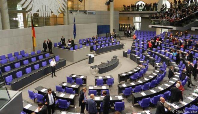 """Parlamentari germani consideră că tratamentul aplicat lui Navalnîi este """"tortură ţintită"""" - germanyparliament-1618070107.jpg"""