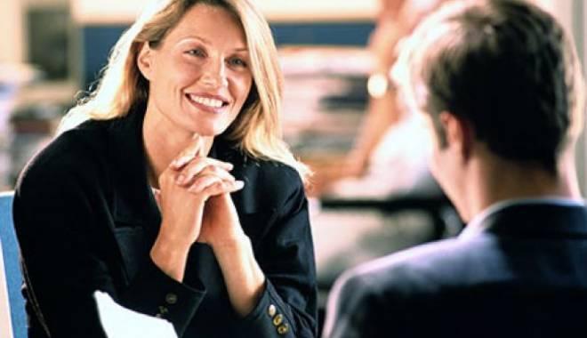 Foto: Cât să gesticulezi la un interviu de angajare