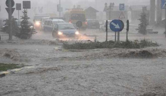 Foto: Cod galben de vreme rea, în județul Constanța. Se intervine în forță