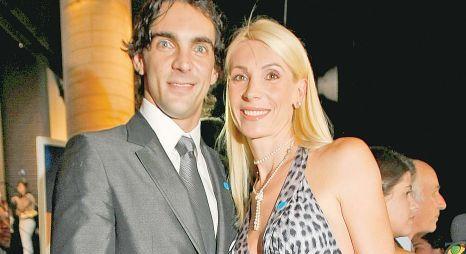 Foto: Fosta voleibalistă Cristina Pîrv divorţează! Şi-a prins soţul cu amanta!