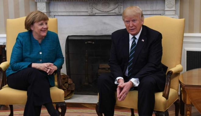 Foto: Trump critică ţările membre NATO, dar apreciază Germania