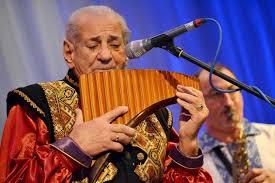 Foto: Piaţa Mare, neîncăpătoare pentru publicul concertelor lui Gheorghe Zamfir, Ozana Barabancea şi Delia