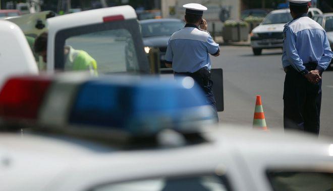 Foto: Accident rutier cu trei maşini implicate, în Mamaia. O victimă