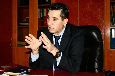 Foto: Senatorul Chiru îl ia la întrebări pe ministrul Justiţiei