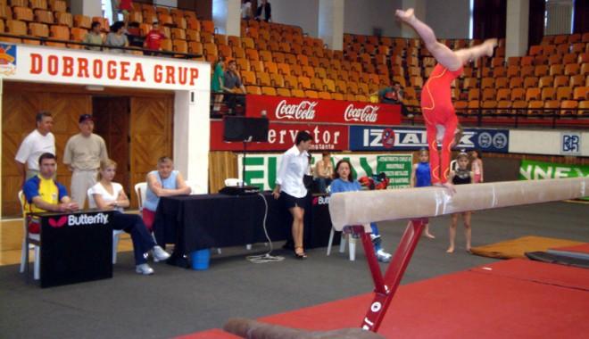 Foto: Gimnastele Farului, la Concursul Naţional Şcolar de la Buzău